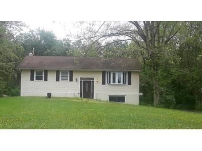 3 Bed 1 Bath Foreclosure Property in Berlin, NJ 08009 - Williamstown Rd