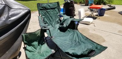 2 folding chairs with bags. Excellent condition
