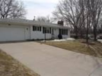 Move in ready 4 level split in a desired Burnsville neighbhorhood for only