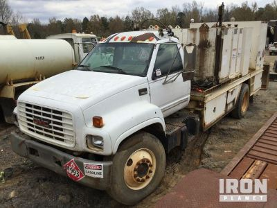 2000 GMC C6500 S/A Fuel & Lube Truck