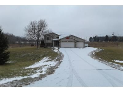 3 Bed 2 Bath Preforeclosure Property in Zimmerman, MN 55398 - 256th Ave NW
