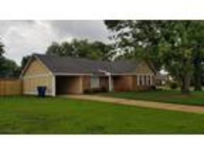$139900 Three BR 2.00 BA, Horn Lake
