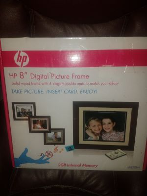 New digital picture frame with remote