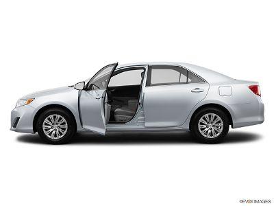 2014 Toyota Camry SE Sedan