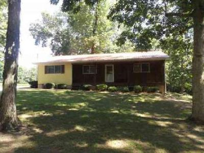 13804 N 650th St Effingham Three BR, Wonderful country home with