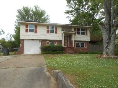 3 Bed 1 Bath Foreclosure Property in Huntsville, AL 35810 - Winchester Rd NW