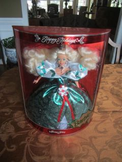 1995 Happy Holiday Special Edition Barbie NIB