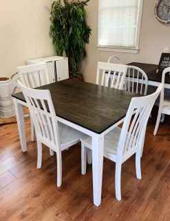 Farmhouse Table and 5 Chairs