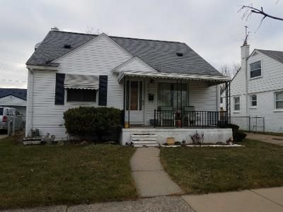 3 Bed 1 Bath Preforeclosure Property in Roseville, MI 48066 - Groveland St