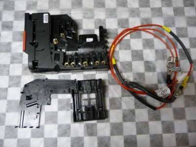 Sell Mercedes Benz W204 C280 C300 C350 Fuse Box 2075401650 OEM OE motorcycle in Glendale, CA, 91205, United States, for US $99.98
