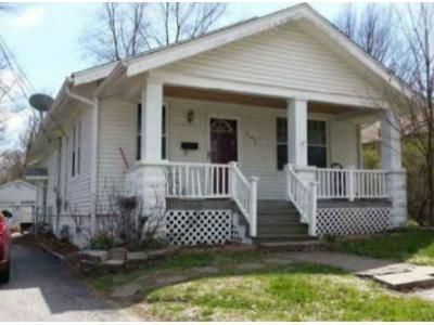 3 Bed 1 Bath Foreclosure Property in Belleville, IL 62226 - S 37th St