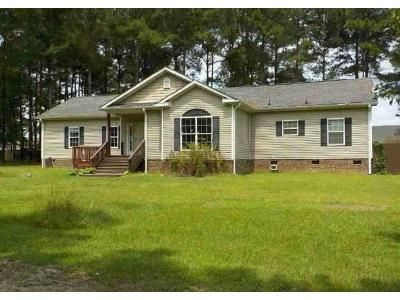 4 Bed 2 Bath Foreclosure Property in Raeford, NC 28376 - Sievers Rd
