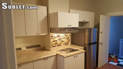 $2200 3 single-family home in Elmhurst
