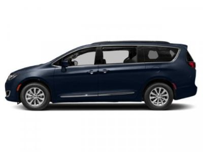 2019 Chrysler Town & Country Touring (Jazz Blue Pearlcoat)