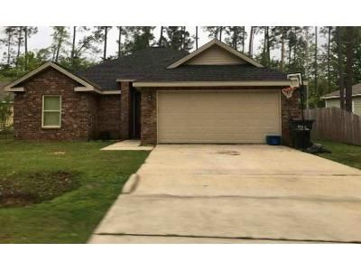 3 Bed 2 Bath Foreclosure Property in Diamondhead, MS 39525 - Kahana St