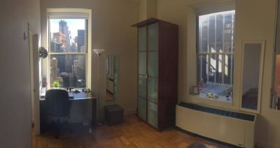 HUGE Room available in Luxury Building in Manhattan! Close to Multiple Subway Lines!