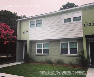 Available Now - 2 Bed/1.5 Bath Townhome in the Heart of Mt. Pleasant!