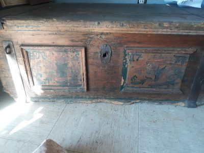 Trunk dated from 1700's with key