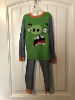 Size 6 Pajama Set ANGRY BIRDS BRAND - EUC SEE MY OTHER LISTINGS OF GREAT KIDS CLOTHES