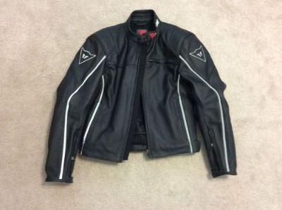 Sell Dainese Men's G. SF Pelle Italian Motorcycle Leather Jacket EU Size 48 motorcycle in Springfield, Pennsylvania, United States, for US $250.00
