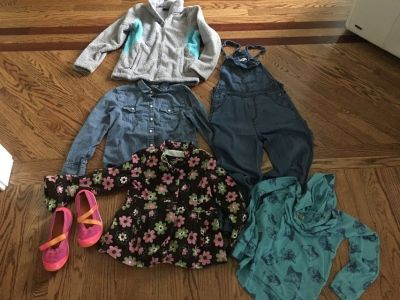 Girl clothes size m , l , shoes size 4 , the north face jacket