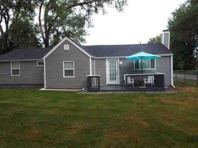 58755 Campbell Street MISHAWAKA Three BR, Welcome home to this