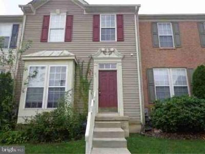 40 Colts Neck Dr Sicklerville Three BR, This town home is nice