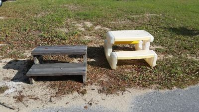 FREE... Steps and toddler picnic table