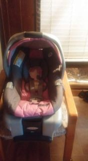 BABY CARRIER WITH BASE FOR SALE