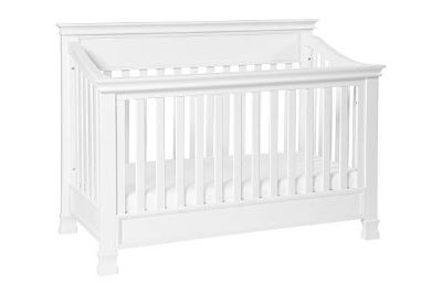 BRAND NEW!! Million Dollar Baby Foothill 4-1 Convertible Crib!
