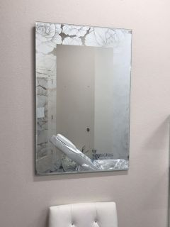 Gorgeous Etched Mirror - Heavy & NO HOLDS!
