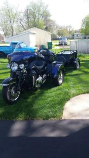 2010 Harley tri-glide with matching trailer