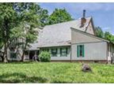 Inn for Sale: Great Place for a Bed & Breakfast