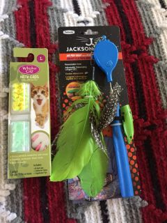 Air prey wand with removable laser light and kitty caps