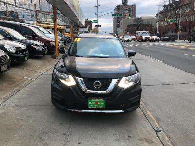 2018 Nissan Rogue AWD SV (Magnetic Black)