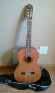 $100 Yamaha G-50 A Classical Acoustic Guitar (Sioux Falls)