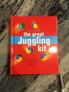 Hardcover Book - the great juggling kit - how to juggle $3