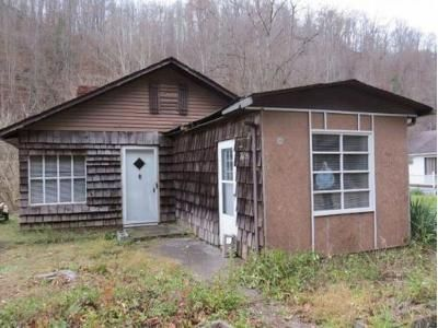 3 Bed 1 Bath Foreclosure Property in Clinchco, VA 24226 - Dickenson Hwy
