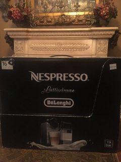 Price DROP, 1st come gets it! Nepresso, Coach, Lighted mirrors,