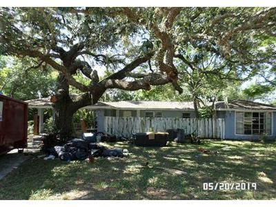 3 Bed 2 Bath Foreclosure Property in Howey In The Hills, FL 34737 - E Pine St