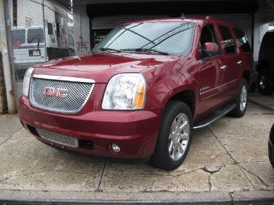 2008 GMC Yukon Denali (Red)