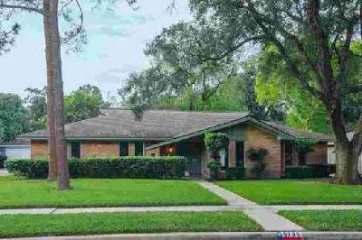 5735 Sanford Road Houston Four BR, This Mid Century Modern home