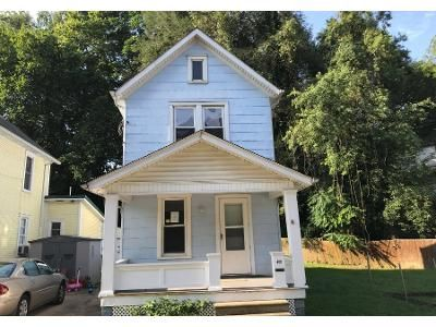 2 Bed 1.5 Bath Preforeclosure Property in Marietta, OH 45750 - Fulton St