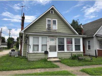 2 Bed 1 Bath Foreclosure Property in Kenova, WV 25530 - 19th St