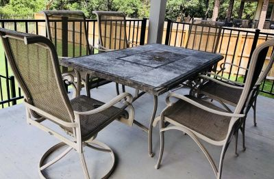 Patio/Outdoor Dining Table & 6 Chairs