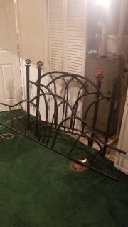 Black metal twin day bed