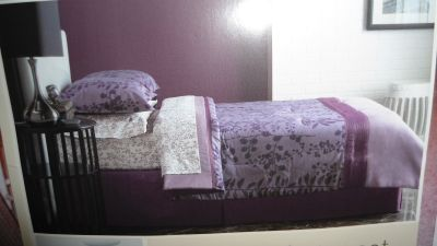 Queen Comforter Set - Brand New