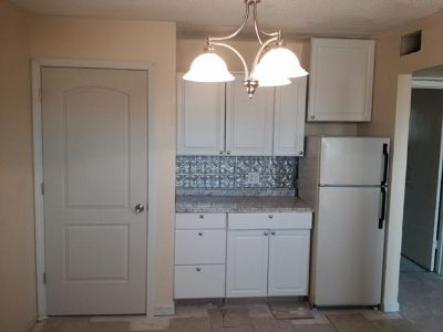 $569, condoApartments 1Br deco unit move in 5114