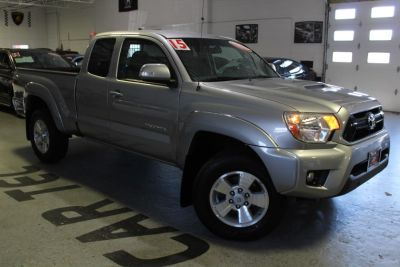 2015 Toyota Tacoma 4WD Access Cab V6 AT TRD Pro ( (Silver Sky Metallic)
