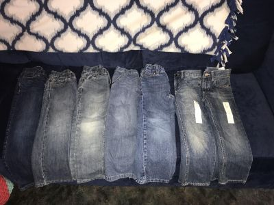 7 pairs boys size 5 jeans